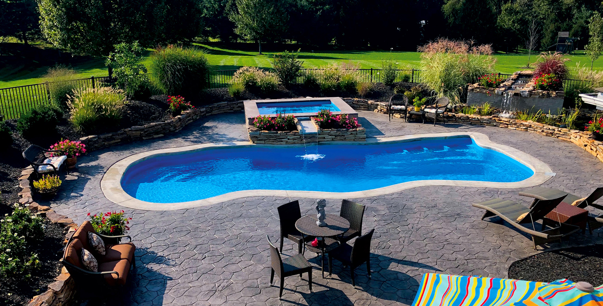 inground fiberglass swimming pool builder near me